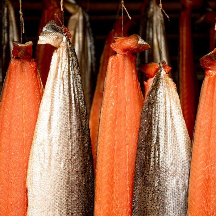 Salmone impiccato nel forno